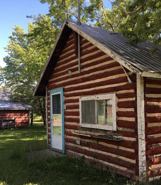 old log guest cabin at Turner's Camp, on the Bonnechere River
