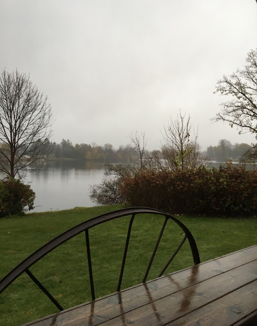 Rainy dark day on the Rideau River